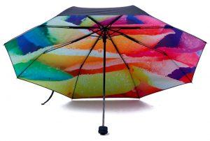 parapluie-arc-en-ciel-interieur
