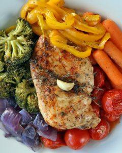 recette de poulet et ses legumes arc-en-ciel