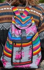 Sac à dos péruvien arc-en-ciel