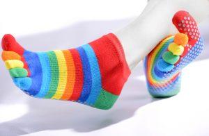 Chaussettes courtes doigts séparés anti-dérapantes arc-en-ciel