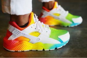 more photos 4c2ad d392d Nike Air Huarache. Le site Remixline vous propose de customiser divers  modèles de baskets.