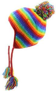 Bonnet cordons earflap pompon arc-en-ciel