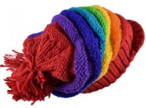 Casquette tricot arc-en-ciel à visière pour dreadlocks
